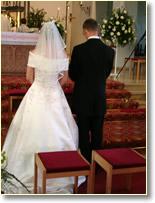brautpaar bei der katholischen trauung - Furbitten Hochzeit Katholisch Beispiele